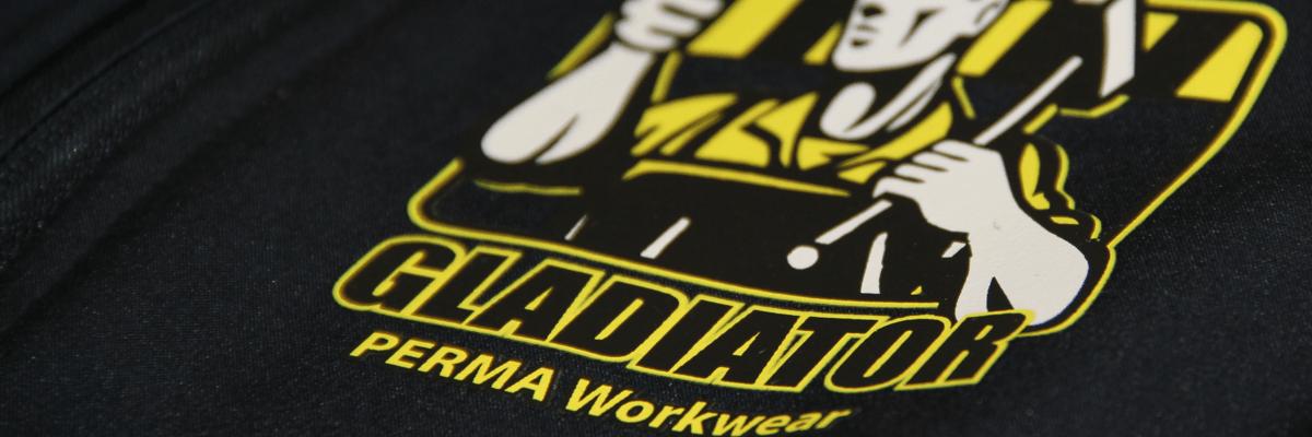 Textildruck PERMA Workwear. Robust, dehnbar und hochgradig deckend. Damit kann man garantiert Softshell bedrucken!