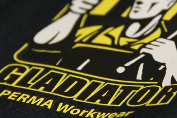 Bedarfsabklärung und Evaluation Arbeitskleidung mit Textildruck